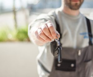 Why Hiring an Experienced Locksmith Instead of a Handyman is a Smart Decision?